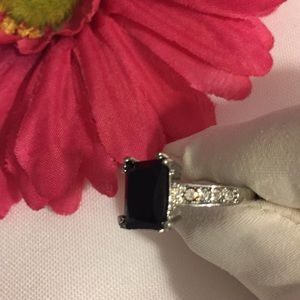 Jewelry - 💲925 BLACK STONE RING!